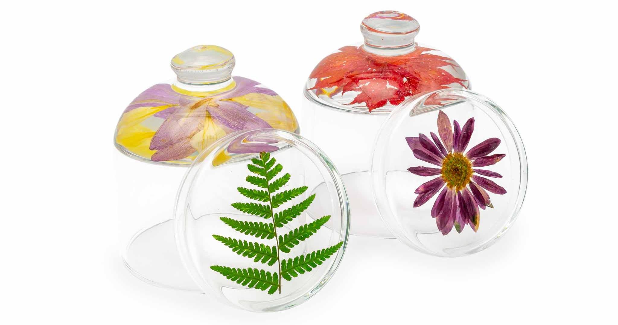 s kvetmi a listami vo vrchnáčiku